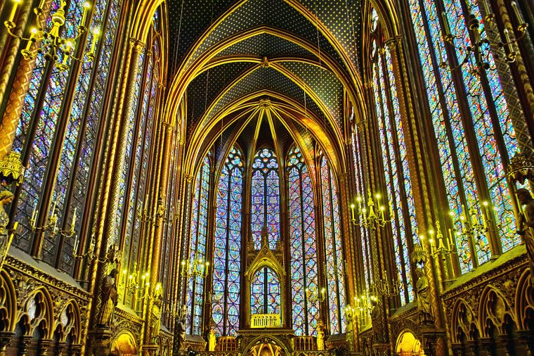 Sainte-Chapelle-Interior.jpg